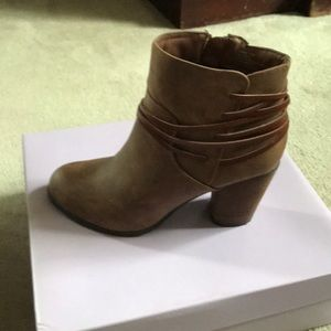 Madden girl laced bootie